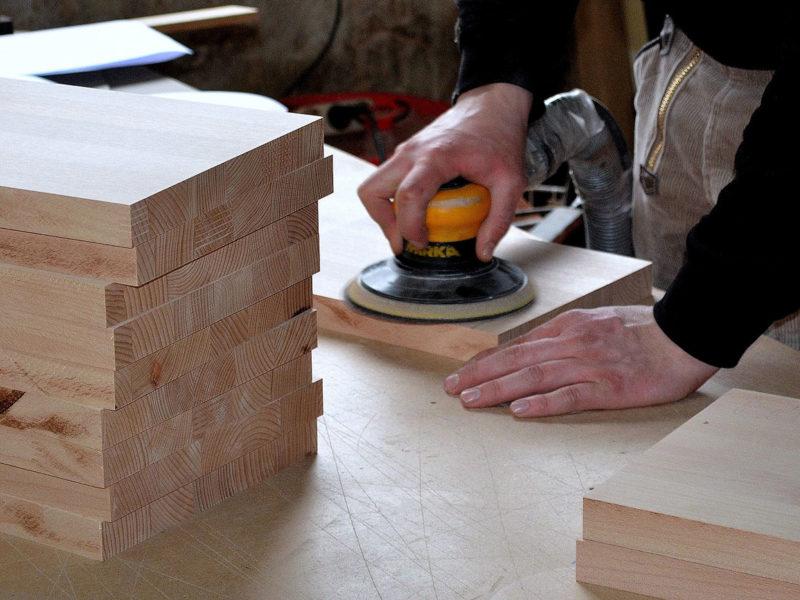Welche Werkzeuge brauche ich für die Holzbearbeitung?